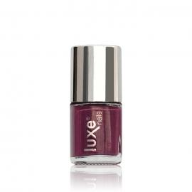 Esmalte tradicional para uñas Luxe Nails. Color: fucsia oscuro. 9ml