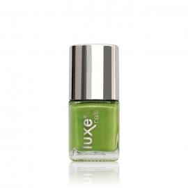 Esmalte tradicional para uñas Luxe Nails. Color: verde manzana. 9ml