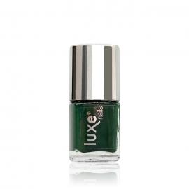 Esmalte tradicional para uñas Luxe Nails. Color: verde oscuro. 9ml