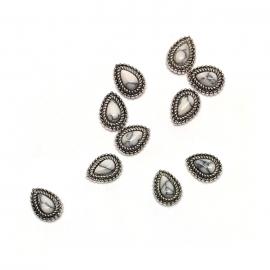 Decoración 3d para uñas nail-art. Piedra marmol blanco, forma de gota, con marco metálico