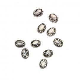 Decoración 3d para uñas nail-art. Piedra marmol blanco, forma ovalada, con marco metálico